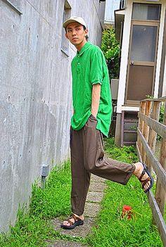 当店は古着全品700円(税抜)で販売しております。 一部新品アイテムの除外品コーナーも展開中です!!  当店で購入した着用アイテム。 ・USED ポロシャツ 756円  ビッグポロシャツでゆったりとしたコーデがポイントです!爽やかな明るい緑がこの季節にぴったりです