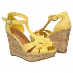 perfect yellow shoes to match that easter sunday dress :)    http://www.thisoutfit.com