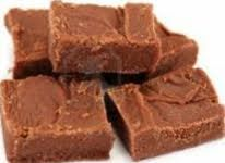 This site looks amazing and fudge in a crockpot sound too good to be true! Classis Fudge - The Skinny Way Chocolate Peanut Butter Fudge, Low Carb Chocolate, Chocolate Chips, Classic Fudge Recipe, Fudge Recipes, Dessert Recipes, Fudge Flavors, Yummy Recipes, Healthy Recipes