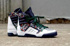 http://www.sneakerfreaker.com/sneaker-releases/Adidas-Originals-X-Opening-Ceremony-country-Garden/