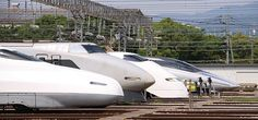 Japan's Shinkansen E5 ::: Japan's pointed Shinkansen trains, built by Hitachi Kawasaki, have a top speed of 275 mph, and regularly travel at speeds of up to 200 mph.