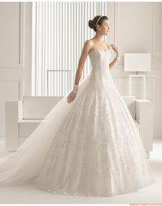 2015 Romantische Traumhafte Außergewöhnliche Brautkleider aus Softnetz mit Stickerei