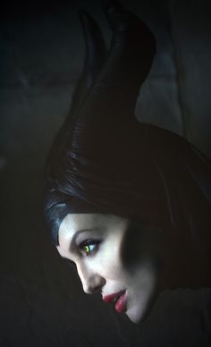 Maleficent - Angelina Jolie as evil disney character. Maleficent 2014, Maleficent Movie, Malificent, Maleficent Makeup, Angelina Jolie Maleficent, Evil Disney Characters, Disney Villains, Fictional Characters, Disney Love