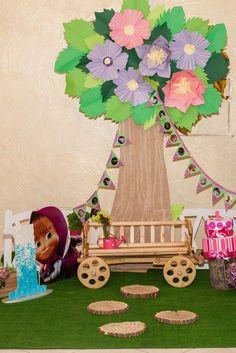 Оформление фотозоны для детского дня рождения в стиле Маша и Медведь