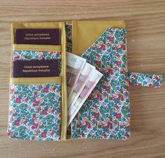 Pochette passeports et billets d'avion par LatelierdeSadou sur Etsy