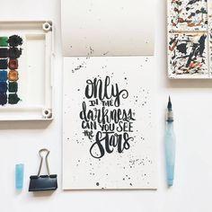 Consulta esta foto de Instagram de @type.gang • 5,384 Me gusta  #brushlettering #qoute #motivation #Handlettering #lettering #typography #brushtype #designinspiration #goodletters  #handmadefont #moderncalligraphy #calligratype #calligraphy