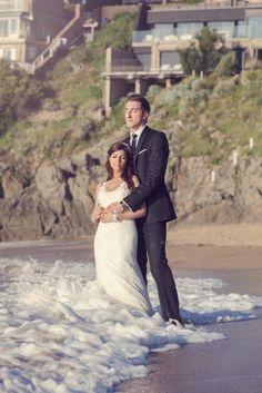 http://trefle-studio.com/?/page/66f7/priscilla-and-julien/      encore un magnifique mariage avec une bride très inspirée qui a réalisée toute la déco dans les moindres détail sans oublier Élodie (agence Blanc Bleu Rêve) qui l'a bien aidée. Director/DP/Editor - Ali teraoui wedding planer : http://www.rouge-evenements.com/ photographe : http://www.ludivine-viguie.com/ lieu de réception : http://www.lechateaudesable.fr/