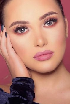 Prom Makeup Looks That Will Make You the Belle of the Ball ★ See more: http://glaminati.com/prom-makeup-looks/