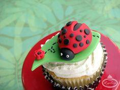 How to Make a Fondant Ladybug - Free Cake Decorating Tutorial on Craftsy