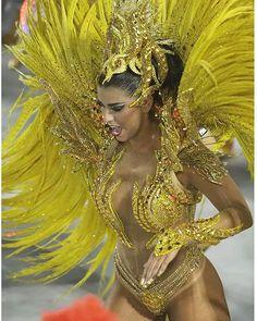 #RecortesDoCarnaval : #BiancaLeao #UniaoDaIlha #Carnaval2016 #Samba #Sambodromo #CidadeDoSamba #Sapucai #MarquesDeSapucai #Brasil #Carnaval #Carnival #PicOfTheDay #Love #ErreJota