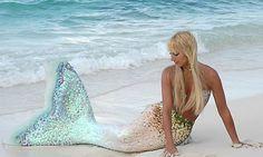 best mermaid costume ever! Pretty Mermaids, Real Mermaids, Mermaids And Mermen, Mythical Creatures, Sea Creatures, Fantasy Creatures, Mermaid Tale, Mermaid Lagoon, Mermaid Mermaid