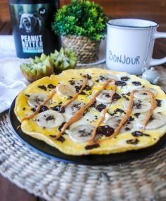 Cherchant toujours à varier mes petits déjeuners, mon repas préféré de la journée, je me suis essayée à quelque chose qui me tentait depuis un moment : l'omelette sucrée ! J'ai choisi de l'agrémenter de mon combo favoris : banane/chocolat 🍌🍫! En plus d'être bon et sain, ce petit déjeuner tient au ventre toute la…