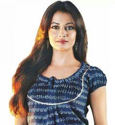 Dia Mirza - 23 Beautiful Bollywood Actress, Beautiful Indian Actress, Beautiful Long Hair, Beautiful Models, Actress Anushka, Dia Mirza, Glamour Photo, Bride Hairstyles, Indian Beauty