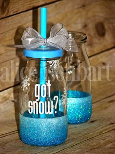 Ombre glitter-dipped milk bottle for the Winter Holidays! Great for a FROZEN themed party! Glitter Wine Glasses, Glitter Mason Jars, Mason Jar Wine Glass, Christmas Glasses, Frozen Theme Party, Christmas Crafts, Bottle, Tableware, Gifts
