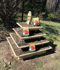 Woodworking Plans Pyramid Planter Illustrated with Photos Learn Woodworking, Woodworking Patterns, Easy Woodworking Projects, Popular Woodworking, Woodworking Plans, Diy Projects, Woodworking Furniture, Woodworking Jigsaw, Woodworking Machinery