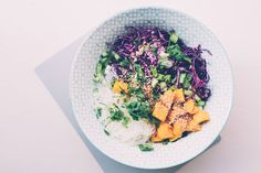 Glasnudelsalat mit Rotkraut und Mango | FOOD FRESHION – Food Blog