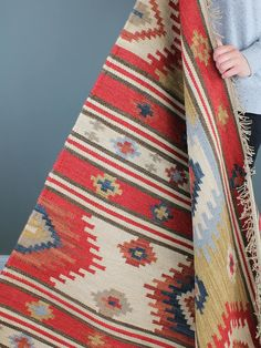 Contact Arzu directly Coates & Warner Contact Arzu directly Coates & Warner - Rug making Flokati Rug, Kilim Rugs, Boho Rugs, Shaggy Rug, Square Rugs, Textiles, Braided Rugs, Small Rugs, Woven Rug