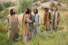 Mateo 16:21–28, Jesús camina con Sus discípulos
