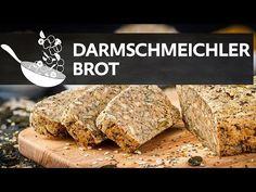 Dieses Beot schmeichelt Ihrem Darm. Das Darmschmeichler Brot besteht aus einer Kombination von Chiasamen, Leinsamen und Flohsamenschalen.