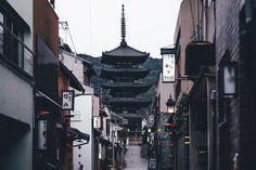 """©Takashi Yasui<br> <a href=""""http://takashiyasui.com/"""">Portfolio</a>   <a href=""""http://www.instagram.com/_tuck4/"""">Instagram</a>   <a href=""""http://www.facebook.com/takashiyasui.photography"""">Facebook</a>   <a href=""""http://reco-photo.com/"""">RECO</a>"""