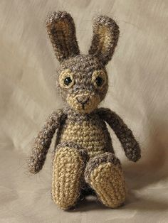 crochet rabbit pattern. This website has some amazing patterns! Not free, but beautiful!