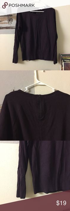 LOFT beautiful women maroon sweater top. It's in excellent condition. Very beautiful top. Only worn a handful of time. It has a half zip on the back side. No rips, holes or any other damage. Ask if have any questions. LOFT Tops