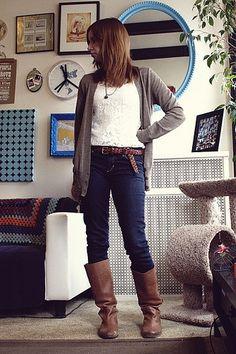 Super easy lace t-shirt DIY