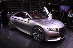 На автошоу в Париже Citroёn отпускает свой суббренд «на вольные хлеба». Каким будет дизайн этих автомобилей, демонстрирует концепткар Divine DS.