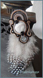 Extrém elegancia - sujtás bross tollal - soutache feather brooch