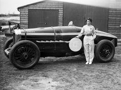 Kay Petre and her Delage, May 1935.