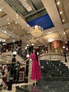 #IU #Hotel_Del_Luna #tvN #JangManWol #LeeJiEun #YeoJinGoo Luna Fashion, Kpop Fashion, Korean Fashion, Nancy Drew Costume, Iu Twitter, Korean Words Learning, Korean Actresses, Queen, Pictures Images