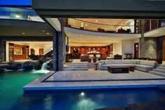 Pool in your livingroom or is it???....Wow