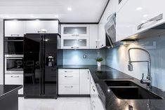 Beautiful Black Kitchen Cabinets (Design Ideas) Metal Kitchen Cabinets, Kitchen Sink Design, Modern Kitchen Design, Kitchen Designs, Kitchen Carcasses, Black Kitchens, Modern Kitchens, Kitchen Images, Cheap Kitchen