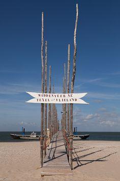 De oversteek met De Vriendschap naar Vlieland in 't Noorden van Texel, uniek stukje van het eiland.