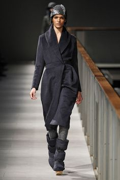 Miriam Ponsa black coat from her SHERPA FW14/15 Collection at 080 Barcelona Fashion week