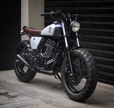 Yamaha Fazer 250cc customizada pela Bendita Macchina