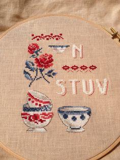 Cross Stitching, Mini Mini, Embroidery, My Favorite Things, Stitches, Pattern, Punto Croce, Tea Pots, Mugs