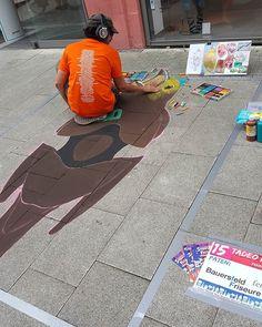 """""""7. Internationales Streetart Festival Wilhelmshaven 🖌🎨🖼 Samstag (05.08.17), die Anfänge der Gemälde. ____________________________________________ #meandmy #selfie  #weekend #saturday #streetartfestival2017 #missboo  #style #streetartfestival #love #streetart #instagood #instalike  #instadaily #strassenkunst #international #whv #wilhelmshaven #3d #city #cityphotography #beginning #artpic #cityandcolour #nordsee #travelblogger #ostfriesland #travelphotography #traveler #bird #germany"""" by…"""