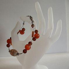 Bracelet en verre et pierres précieuses