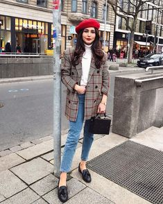 Paris Outfits plaid blazer and red beret franzsische outfit outfit und Paris Outfits. Here is Paris Outfits for you. Paris Outfits plaid blazer and red beret franzsische outfit outfit und. Paris Outfits cbls guide to pari. Fashion Casual, Casual Fall Outfits, Winter Fashion Outfits, Fall Winter Outfits, Look Fashion, Stylish Outfits, Autumn Fashion, Fashion Trends, Fashion Spring