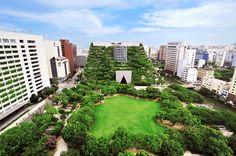 Acros Fukuoka, Japão