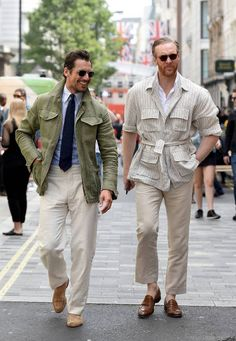 Discover the details that make the difference to the best street style . - Discover the details that make the difference to the best street style unique people with a lot of - Mature Mens Fashion, Mens Fashion Blog, Mode Masculine, David Gandy Style, Norfolk Jacket, Look Man, Army Shirts, Herren Outfit, Cool Street Fashion