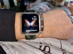 Guess Bangle Bracelet Apple Watch Bangle Bracelets, Bangles, Apple Products, Apple Watch, Watches, Fashion, Bracelets, Bracelets, Moda