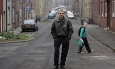 Barry Hines: Yorkshire found its voice in Kes, by Ian McMillan  Foto: Barry Hines in the mining village of Hoyland, near Barnsley, where he was born.