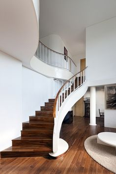 If you are looking for unusual solutions for modern stairs design, then get inspired by these amazing ideas. The staircase is no longer just a functional Home Interior Design, Interior And Exterior, Exterior Design, Diy Design, Design Ideas, Stairway Storage, Escalier Design, Curved Walls, Modern Stairs