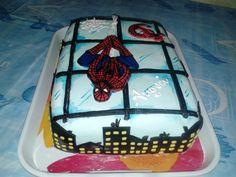 #spidermancake #tortaspiderman #tortauomoragno #spider #ragno #uomoragno #spiderman #spidermanmarvelcomics #marvelcomics #buildings #palazzi #windows #finestre #hotelandlaviolascake