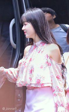 Kpop Girl Groups, Kpop Girls, Oh My Girl Yooa, Sistar, Girl Swag, Girl Next Door, Swag Outfits, Pretty Face, Asian Beauty