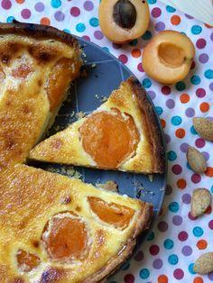 Tarta de albaricoques y crema de almendra  Apricot cake with almonds
