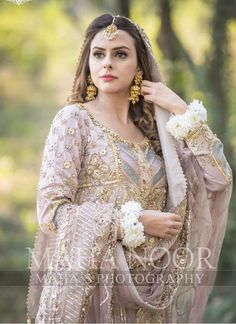 You do things… Pakistani Bridal Dresses, Pakistani Dress Design, Pakistani Wedding Dresses, Pakistani Outfits, Indian Dresses, Indian Outfits, Bridal Dress Design, Bridal Style, Nikkah Dress