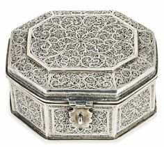 17th / 18th Century Dutch / German Octagonal Silver Filigree Casket sold Christie's, London 8 Dec 2011. W.11.8cms D.10.1cms H. 5.7cms